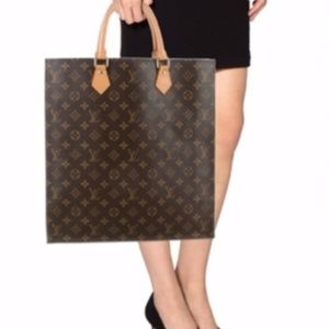 Authentic Louis Vuitton Monogram Sac Plat
